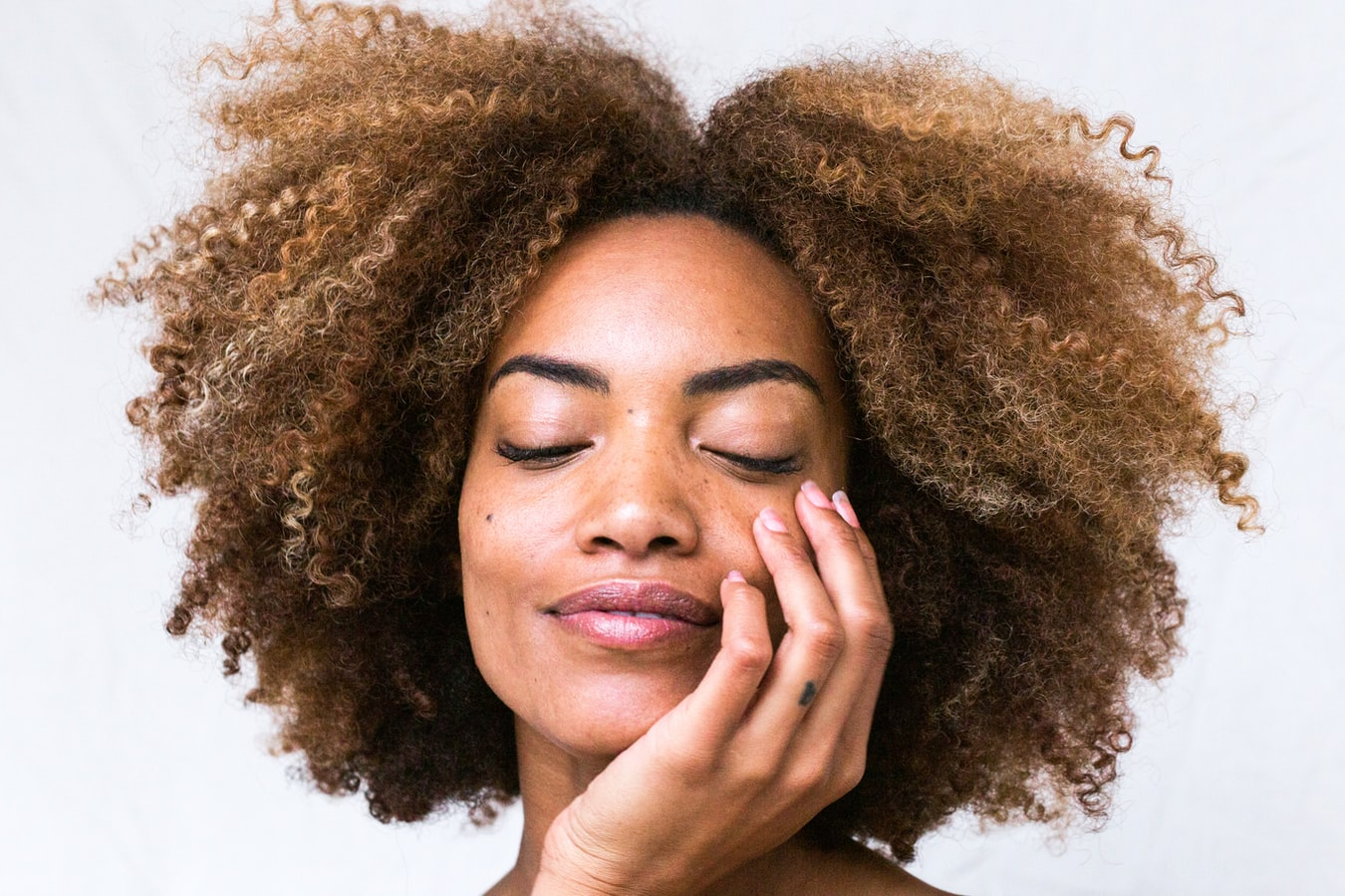 How to take care of dry skin during harmattan in nigeria